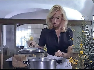 Babe Blonde Kitchen Vintage