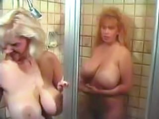 Big Tits Mature Showers Vintage