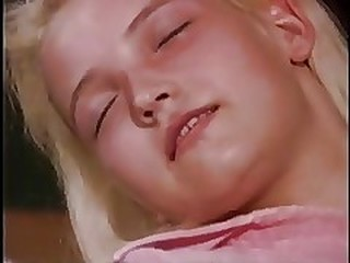 Videos from wetvintageporn.com