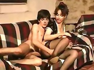 Videos from oldvintageporn.com